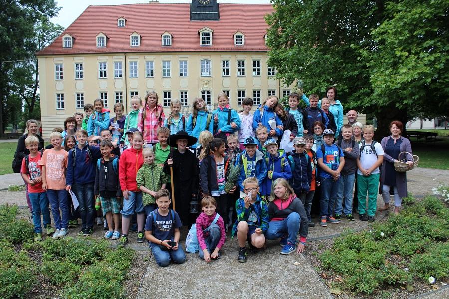 Die vierten Klassen der Friedrich-Starke-Grundschule Elsterwerda